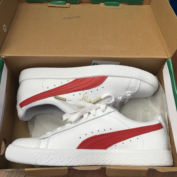 the latest c50c5 a55c0 Puma Clyde White and Red Sneakers NWT